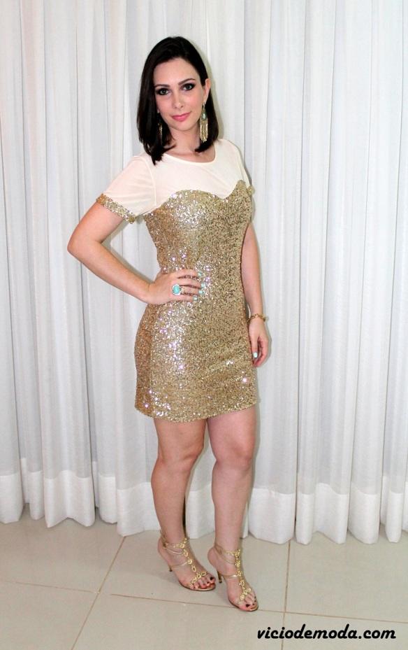 Vestido de paetê dourado 2